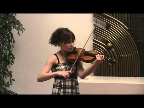 Koncert smyčcových nástrojů 3.4. 2013 - 15. Jana Hlaváčová (housle), Mgr. Michaela Hejrová (klavír)