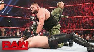 فرق الزوجي في عرض WWE RAW تعاني من انتكاسة كبيرة - في الحلبة