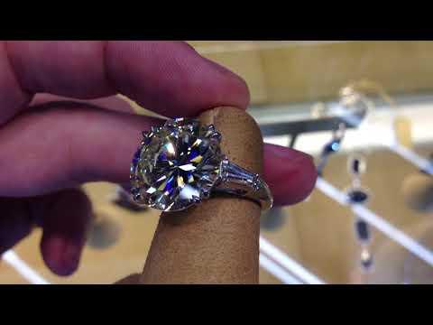 10 carat round diamond engagement ring