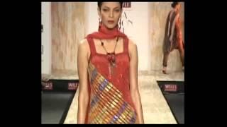 Black and white Satya Paul ensembles rule Wills Lifestyle Indian Fashion Week Thumbnail