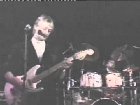 THE FORTUNES perform  IT'S OVER ♫ 1995 (Roy Orbision hit) with BOB JACKSON
