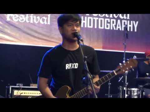 Stand Here Alone  - Hilang Harapan At Stain, Kediri (Feskom 8)
