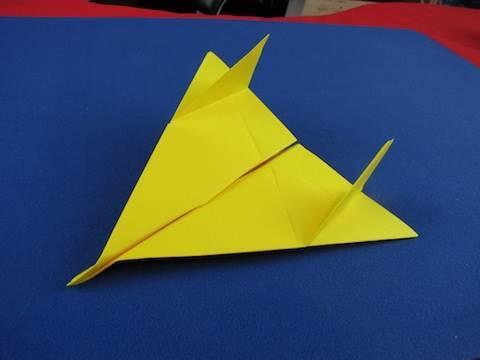 Floating Paper Airplane Semplice aereo di carta  28d031705223