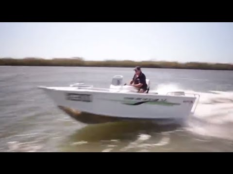 Quintrex 420 Renegade SC Review 30HP 40HP 50HP | Caloundra Marine Australia's best Quintrex pricing
