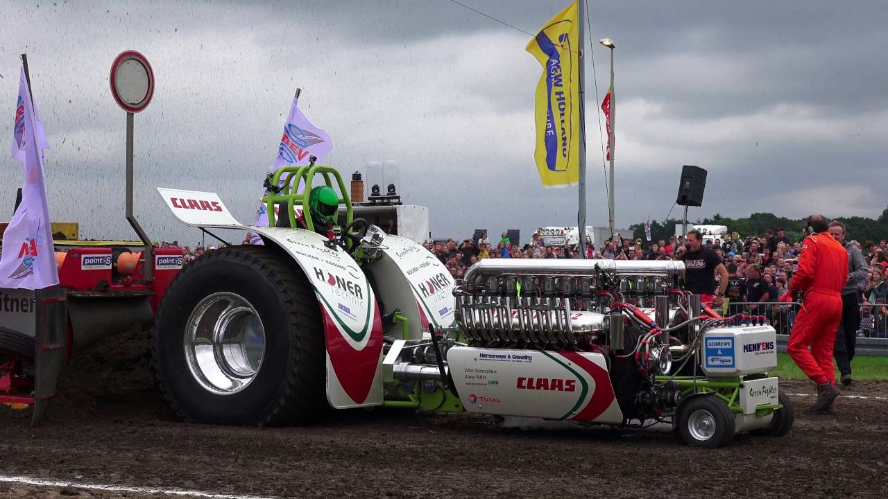 Green Monster Fighter At Edewecht 2016 Tractor Pulling Youtube