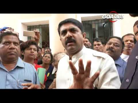 PDA protesters confront Vijai, Minister promises 'justice'