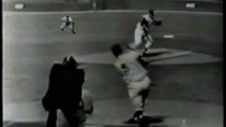 Roger Maris 1961 - 57th Home Run as Called by Phil Rizzuto, WPIX-TV, 9/19/1961