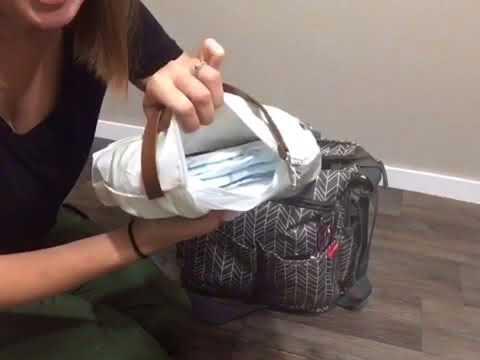 What's In My Diaper Bag - Skip Hop Signature Duo