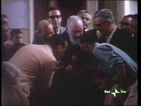 Padre Pio in alcuni filmati d'epoca