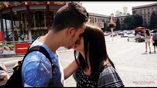 Как поцеловать девушку/Kiss prank #2 l LifeInDnepr*(В этом видео мы продемонстрируем Вам пару способов, с помощью которых можно поцеловать девушку на улице...., 2015-07-24T11:19:54.000Z)