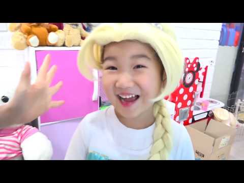 보람이의 엘사 생일파티 놀이 Boram Pretend Princess & preparing celebrating Happy Birthday
