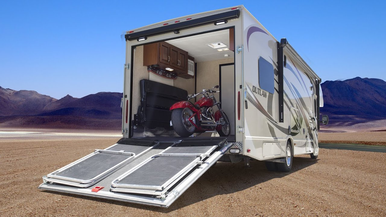 Toy haulers motorhomes with garage best for motorcycles for Rv with garage
