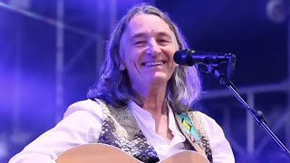 Roger Hodgson (Supertramp) Give a Little Bit - Smiling Gecko Charity