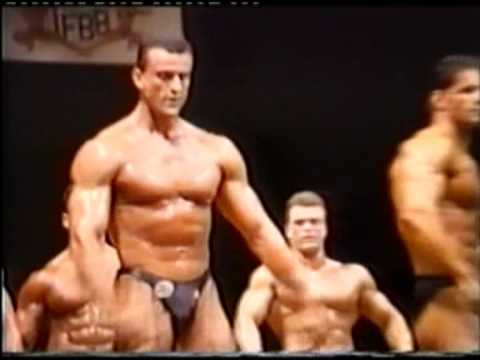 Amateur bodybuilding 1989