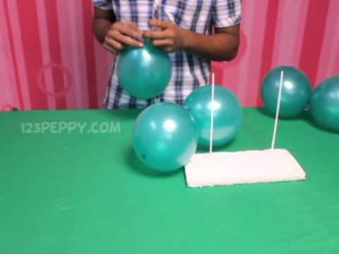 How to Make a Balloon Christmas Tree