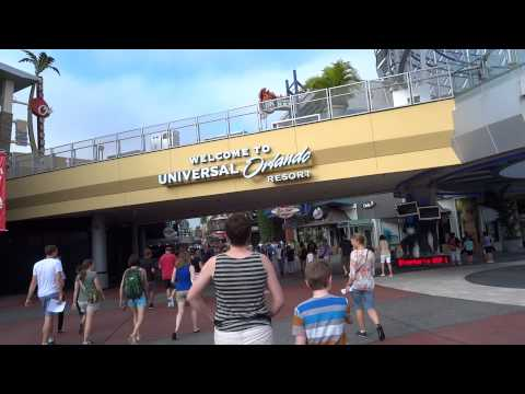 Walking to Universal Studios Entrance and into City Walk in HD