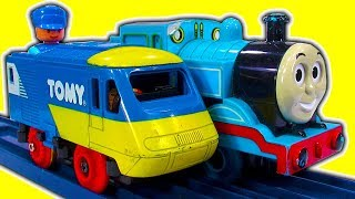 Rare Classic TOMY Toy Trains $10 Trash & Treasure InterCity 125 Vs Thomas The Tank