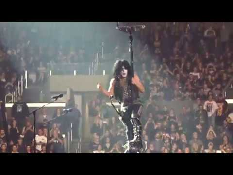 Kiss Live - Love Gun/I Was Made For Lovin' You - Staples Center 2020 - End Of The Road Tour