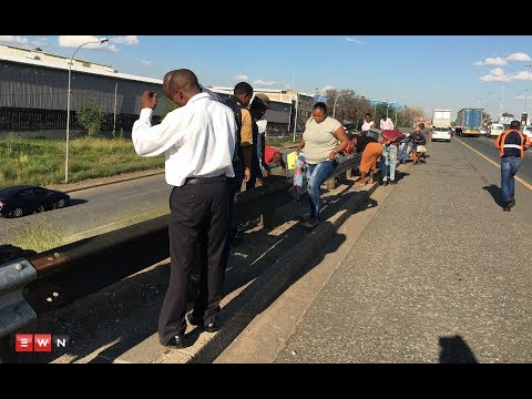 Truck spills gold on Joburg highway