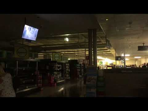Woolworths OceanKeys Western Australia, power goes out keep Shopping 20.10.2017