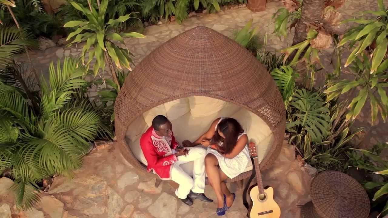 Download Kwabena Kwabena - Enya Mi Ho ft. Joojo (Official Video)