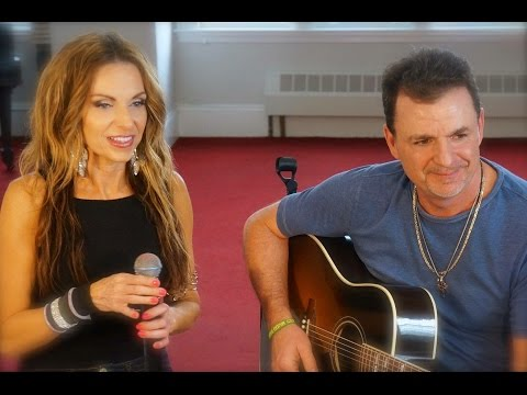 Colleen Marshall with Michael Leach- Acoustic