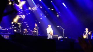 Paul McCartney - Everybody Out There (live) - Osaka, Japan Nov-12-2013