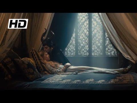 Malefiz | Malefiz, Aurorayı Öperek Uyandırıyor | HD Klip
