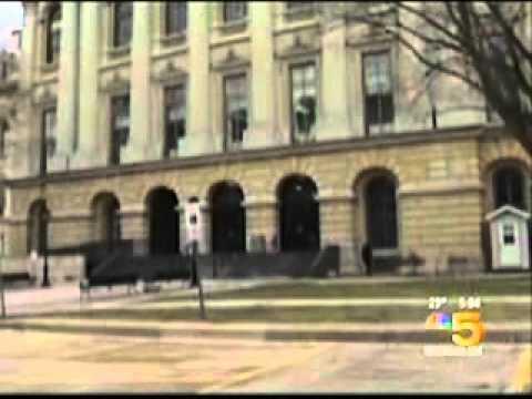 Illinois Governor Signs Civil Union Bill