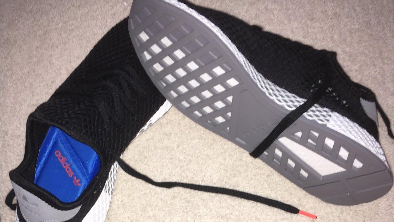Adidas Deerupt Runner Core black / Core black / Solar red.