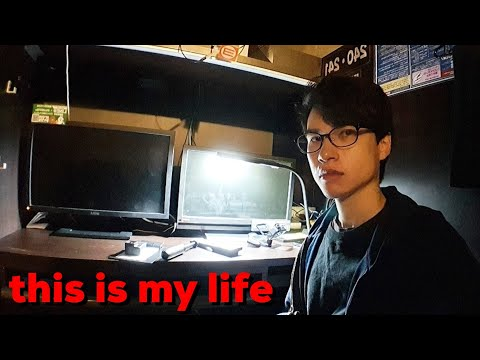 Living in a Japanese Internet cafe