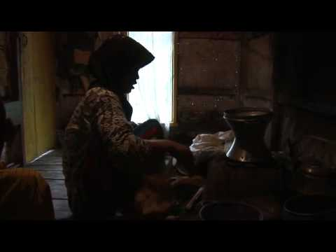 Dadah - Sarimukti Village, Indonesia - Sundanese (Global Lives Project, 2008)  ~13:09:51-13:24:17