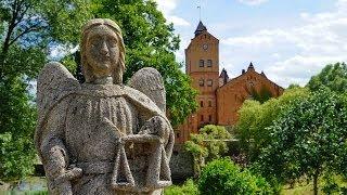 Видео обзор замка-музея