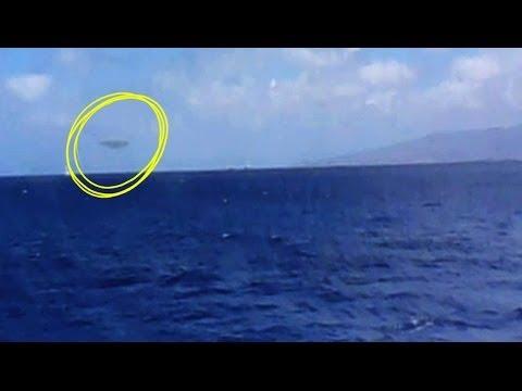 UFO FILMED FROM BOAT IN HAWAII FEBRUARY 2014