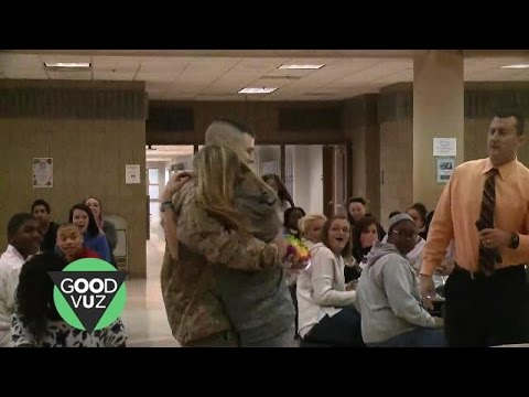 Military dad surprises his three kids at school, and their reactions will make your day