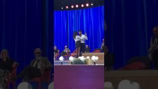 VIDEO: Fabrizio Corona e Belen Rodriguez ballano al Maurizio Costanzo Show