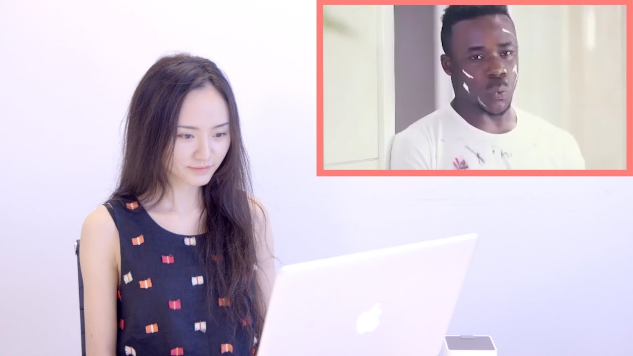 Chinese Students React to RACIST CHINESE COMMERCIAL | 留學生看中國俏比廣告