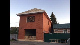 Дом-Гараж готов. Крыша, окна, ворота и лестница.