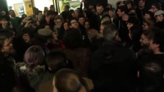 tribute to david bowie crowd singing space oddity at memorial 11012016