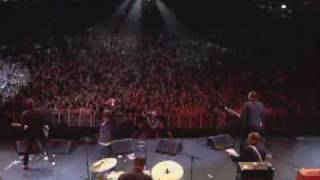 The Hives - Outsmarted (live)