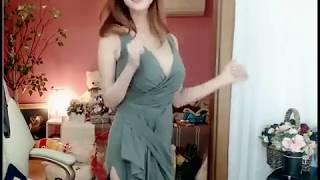 Nữ BJ셀리 xinh như thiên thần nhảy sexy dance