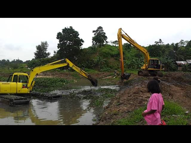 amphibious excavator / swamp excavator / floating excavator AX150 ULTRATREX Travel Video
