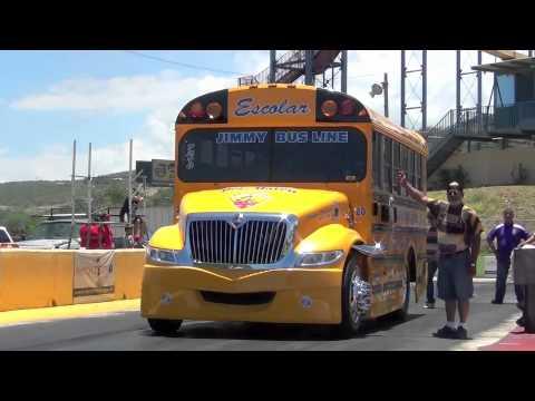 SCHOOL BUS DRAG RACING PUERTO RICO LA PAJARITA VS ALMALIBRE.