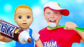 Ali se cepilla los dientes y aprende colores con la canción de Finger Family