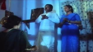 parrot making fun of sukumari cute scene bhagawan iyer the great movie scenes