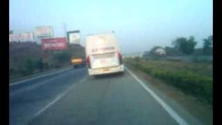 Volvo bus B7R top speed racing India 125kmh.mp4