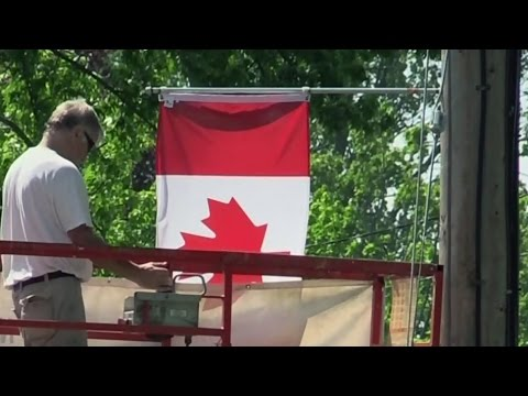 London, Ont. Man's Act Of Patriotism Gets Widespread Support