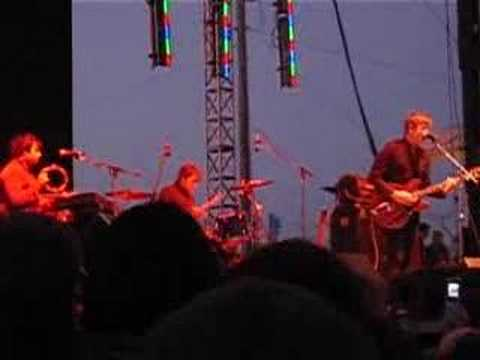 Spoon - I Turn My Camera On [Live 2007 SF]