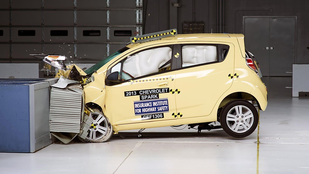 2013 chevrolet spark moderate overlap iihs crash test. Black Bedroom Furniture Sets. Home Design Ideas
