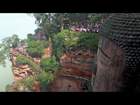Leshan Giant Buddha, Sichuan, China in 4K (Ultra HD)